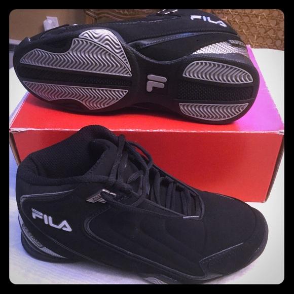 3385525cf2ed Men s Fila basketball style sneakers high tops